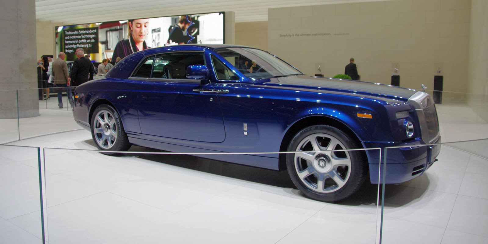 sports cars rolls royce phantom coupe v16 price. Black Bedroom Furniture Sets. Home Design Ideas