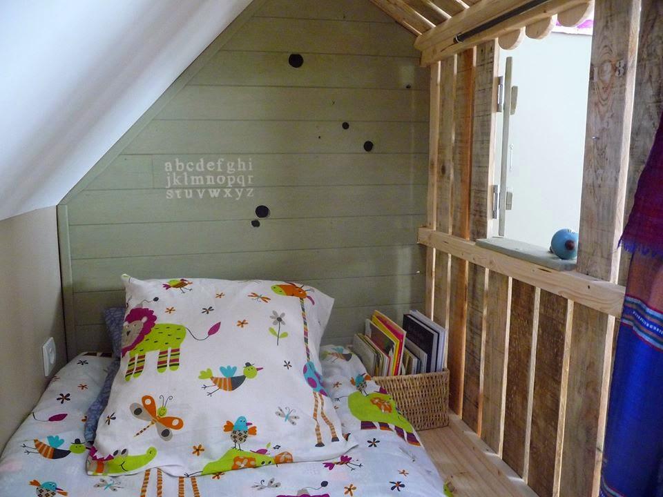 Casita y habitaciones con palets para for Astillas de madera para jardin