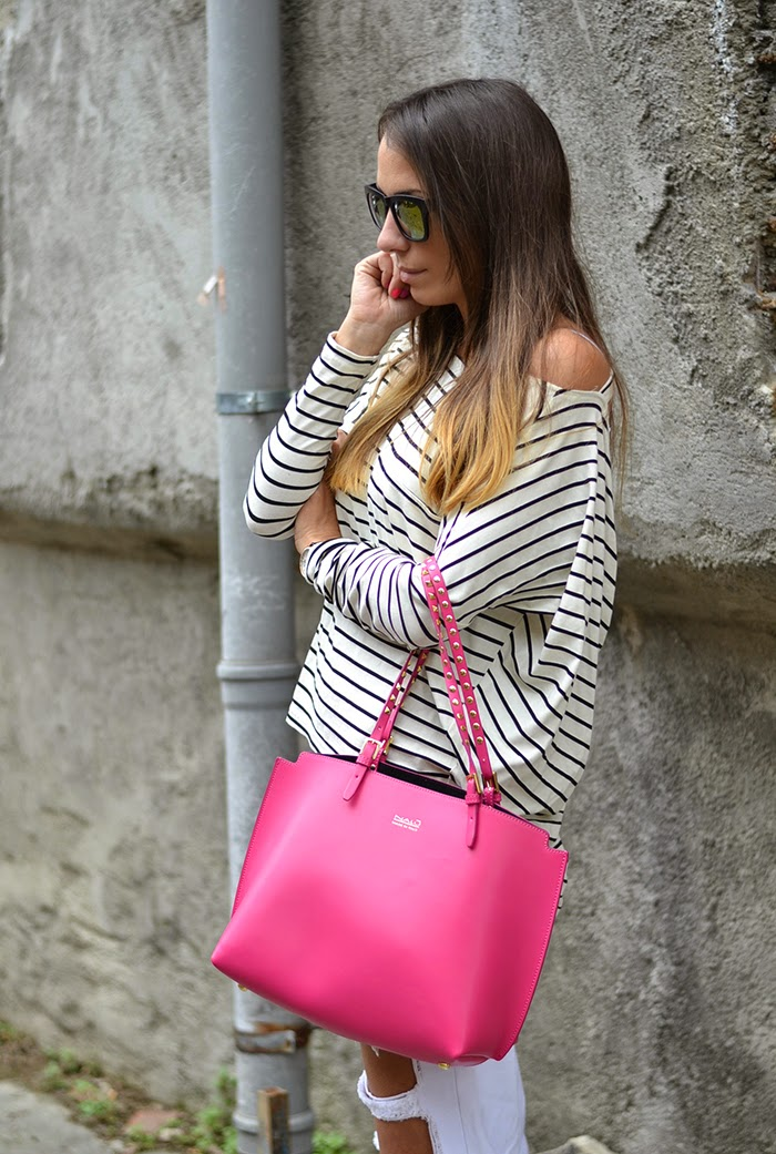 striped tee pink bag