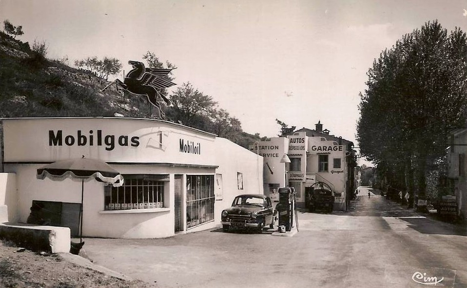 L 39 univers du garage et de la station service station for Garage ford concarneau