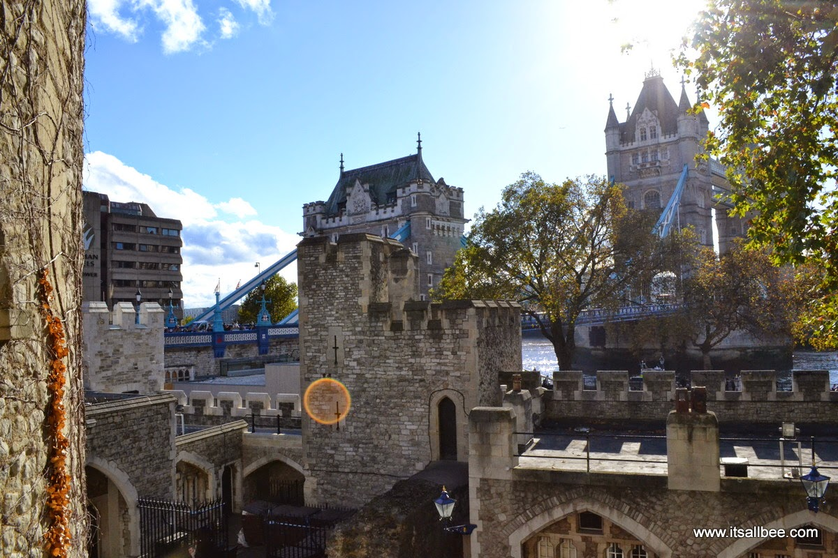 Tower Bridge  London - Poppies Tower of London: Crown Jewels 530.2 carat Cullinan I diamond. Great Star of Africa.