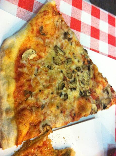 פיצה מונופול פטריות