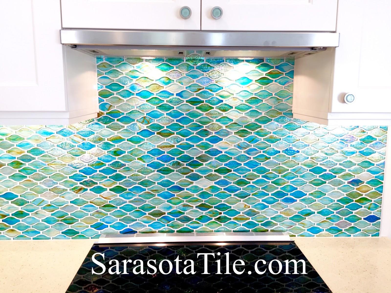 Laying backsplash tile