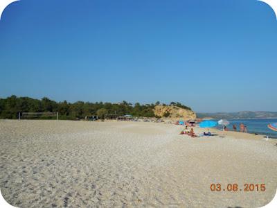 Tripiti este una din plajele neaglomerate din Thassos