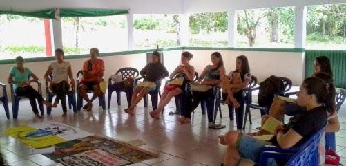 Juventude Missionária Santa Terezinha participa de formação sobre Trabalho Escravo