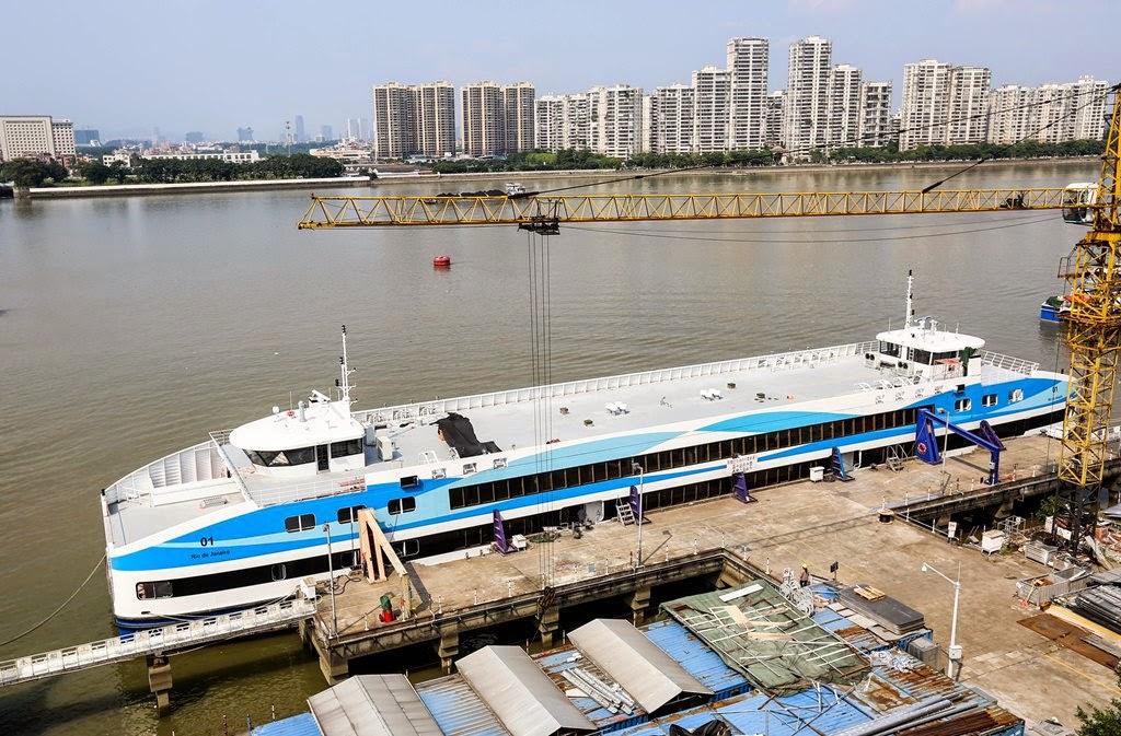 Primeira das sete barcas chinesas adquiridas pelo Estado chega ao Rio até o fim do ano