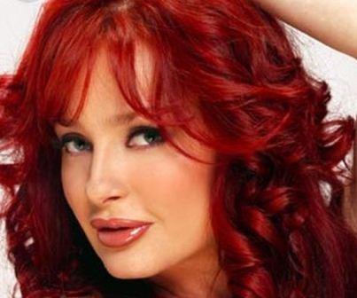 cabello rojo teñido