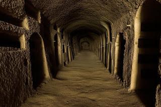 Catacomba antico cimitero sotterraneo, ricavato nel sottosuolo dove venivano posizionate le salme dei defunti