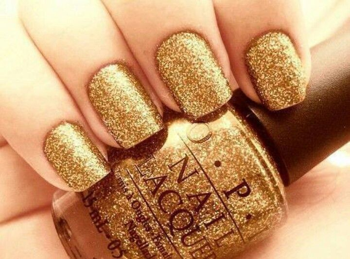 Gold Nail Art Designs 26