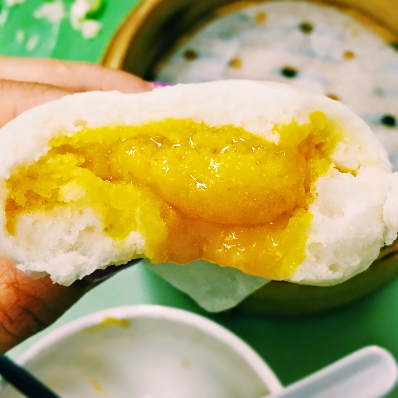 salted egg yolk custard buns