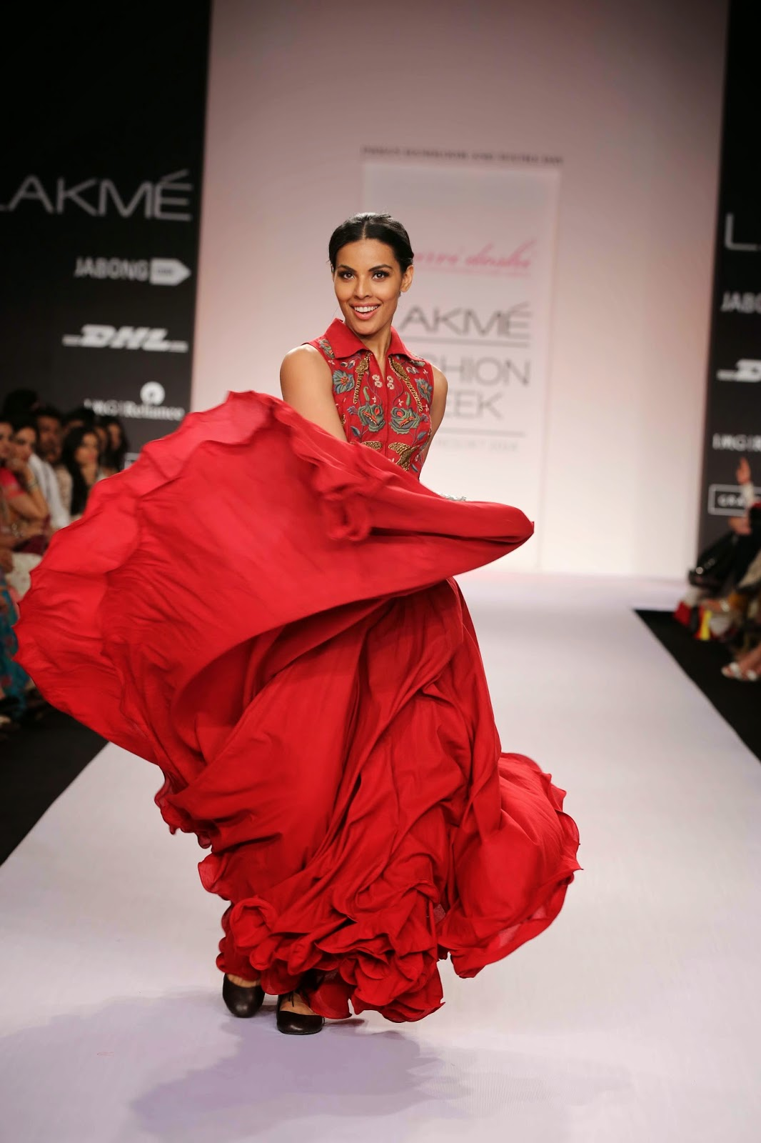 """Fascinated by nature and all things natural, Purvi Doshi's collection called """"Renaissance"""" created from the humble basic pure cotton fabric was a memorable presentation at Lakmé Fashion Week Summer/Resort 2014."""