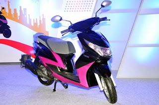 Deepika unveils Yamaha scooter