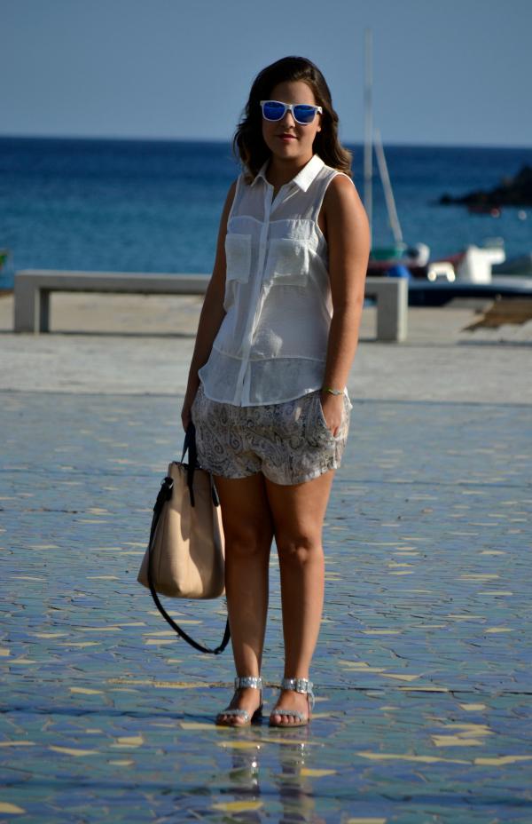 look_outfit_verano_gafas_espejo_knockaround_sandalias_glitter_lovelypepa_nudelolablog_03