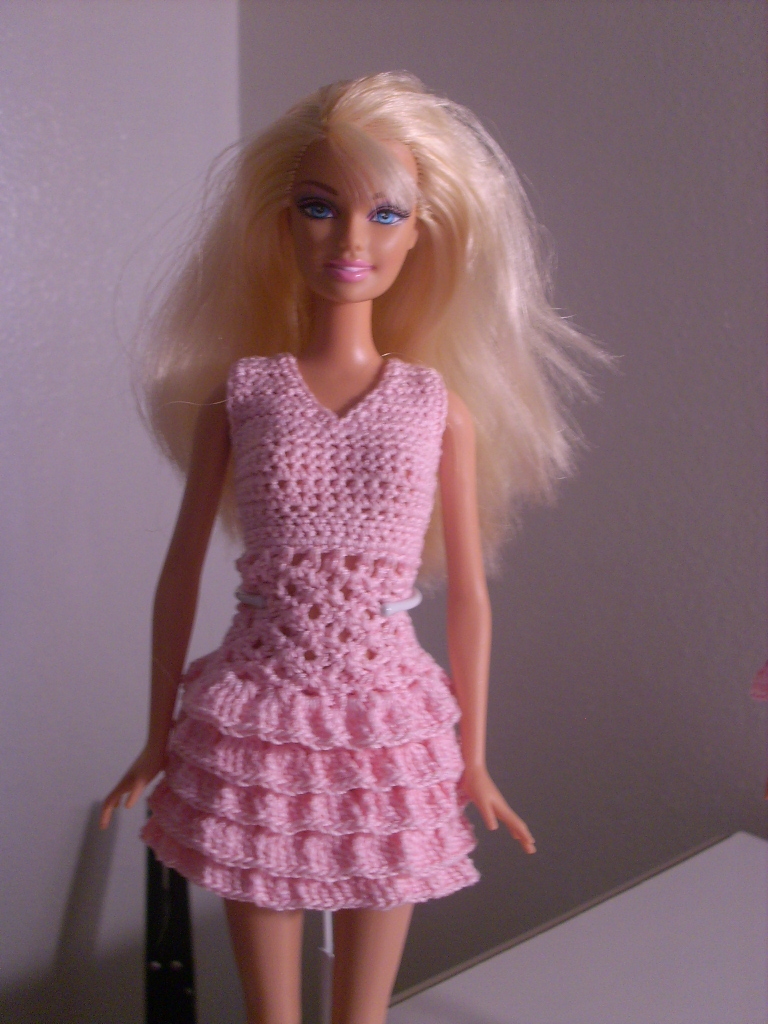 Crochet Barbie : Crochet for Barbie (the belly button body type): Pink Ruffle ...