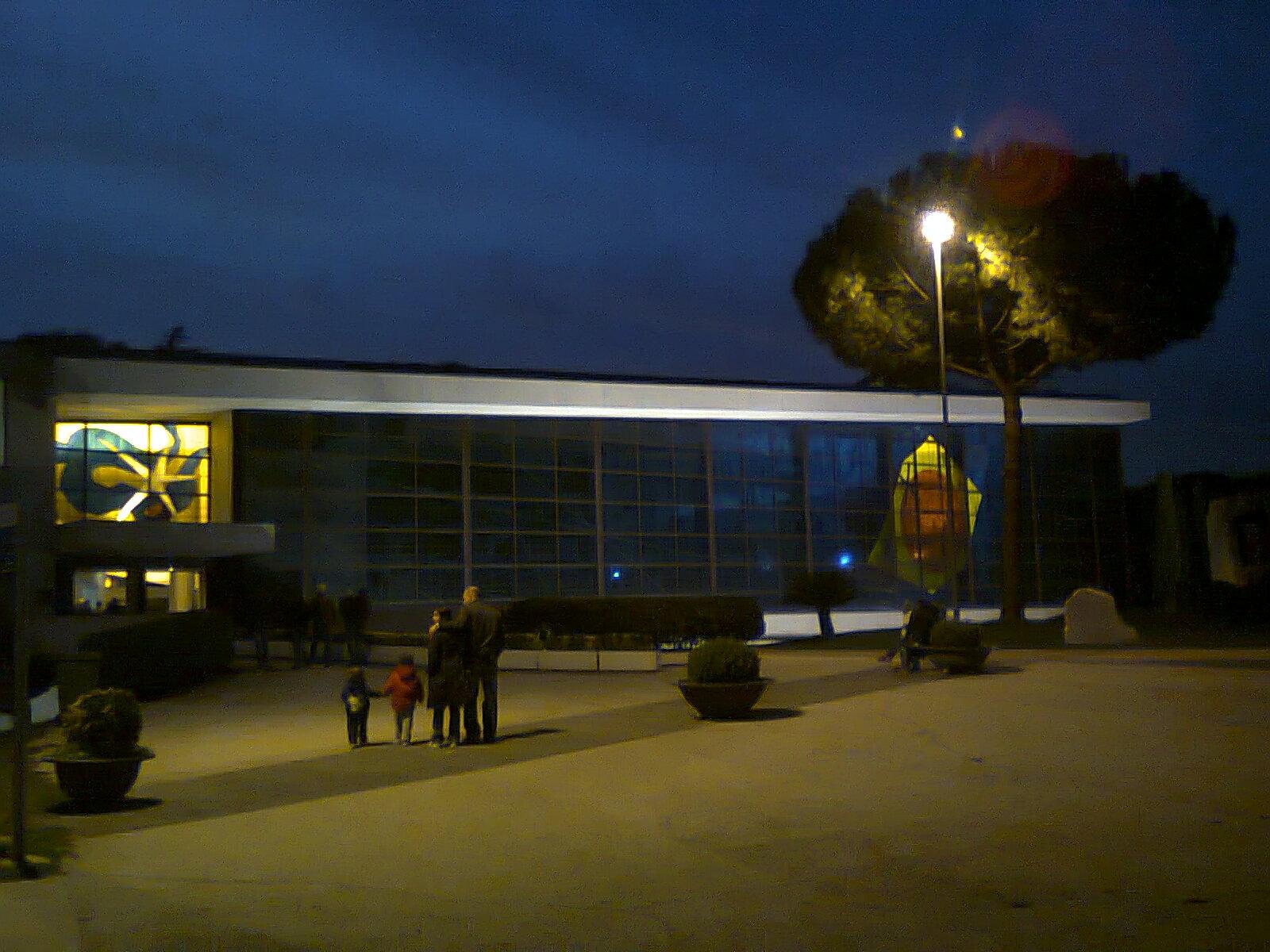 In bici per roma oltre la notte arte sacra contemporanea for Raccordo casa contemporanea