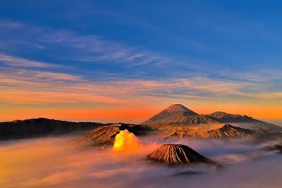 Gunung-Terindah-di-Indonesia