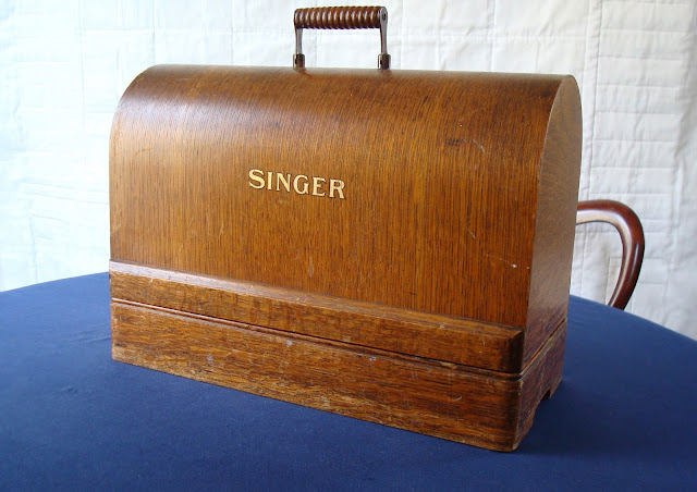 Singer 99k bentwood case with logo transfer