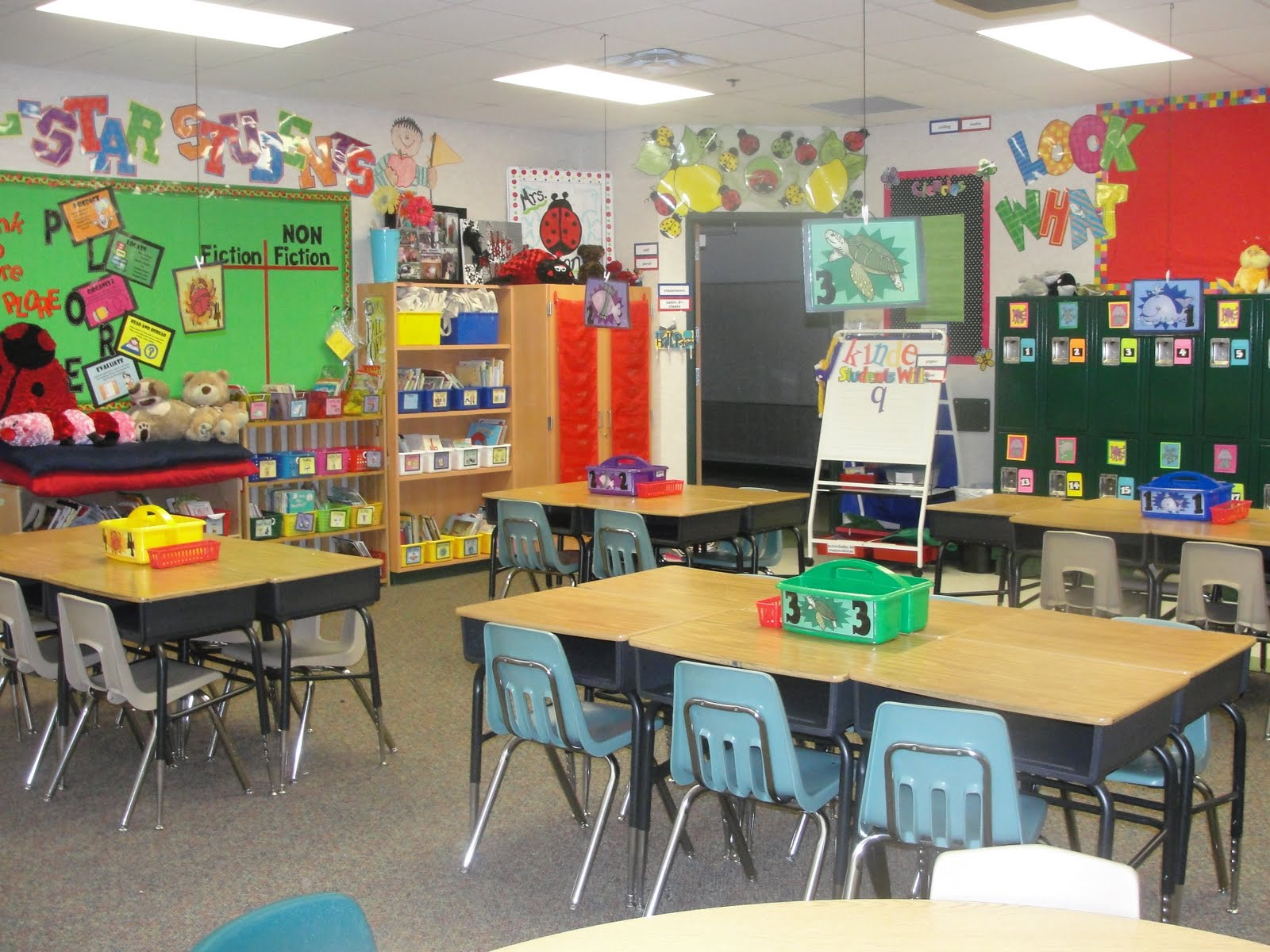 Classroom Decorating Ideas Elementary ~ Step into nd grade with mrs lemons i m a workin lady