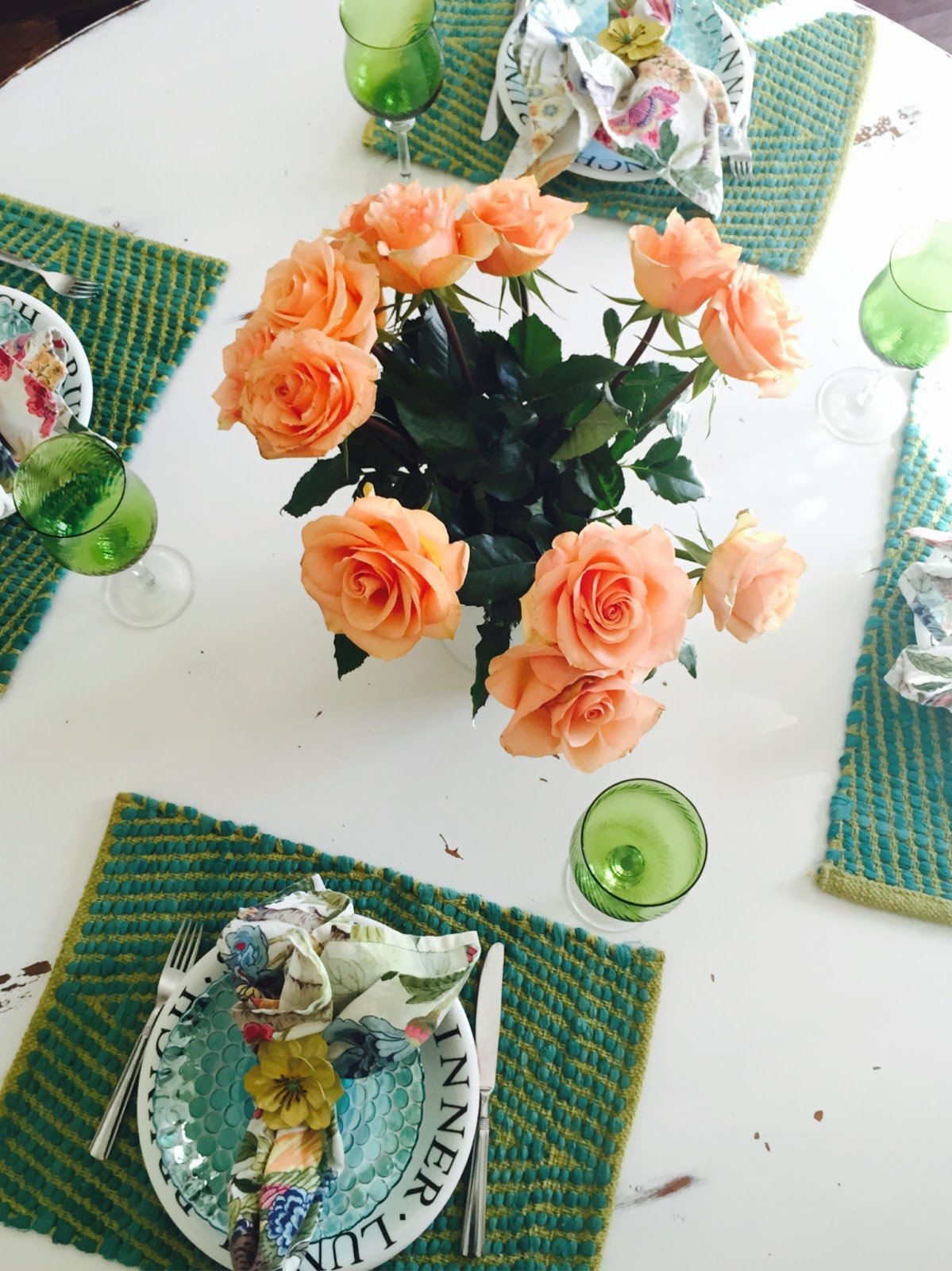 Simple Tablescape, Easy Table setting, The Style Sisters