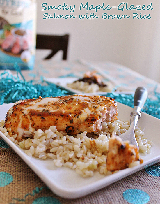Rachael Ray's Smoky Maple-Glazed Salmon wih Brown Rice Meal inspired by the simple recpes of premium #NutrishForCats. #MC #Sponsored
