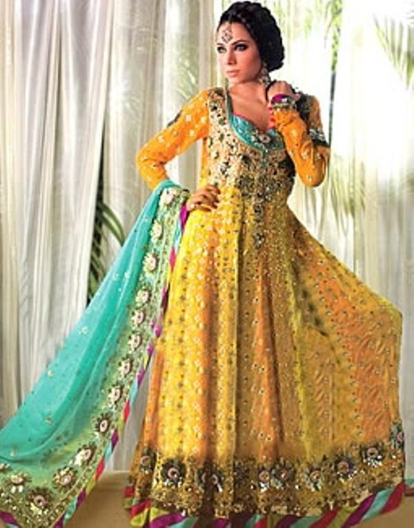 Mehndi Beautiful Dresses : Mehndi dresses pakistani