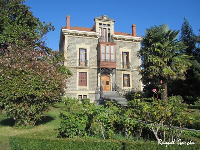 Antigua Villa de Justo Sarachaga, actualmente colegio Virgen Niña en Amurrio (Álava)
