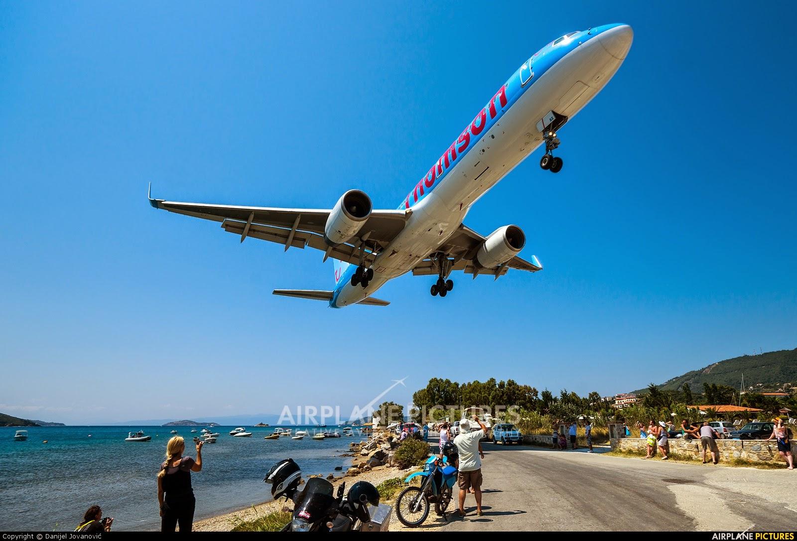 Aeroporto Skiathos : Aerei gli aeroporti più pericolosi del mondo