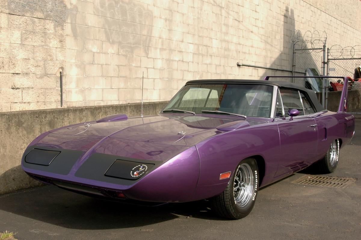 http://3.bp.blogspot.com/-phuhT5072KA/T7SSG_HpDYI/AAAAAAAALOM/3XMVWQVdj6I/s1600/1970-Plymouth-Road-Runner-Superbird-Convertible.+-+01.jpg