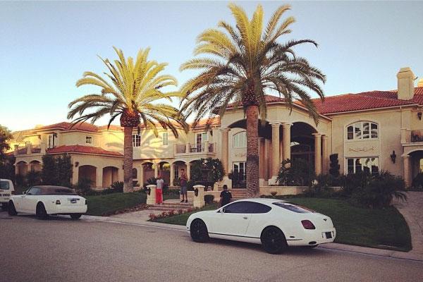 Shining sherri artist tyga buys 6 5 million dollar home for 5 million dollar home
