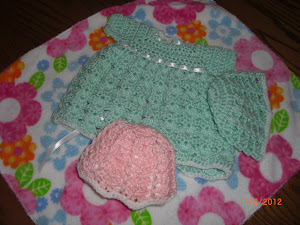 Little green outfit and hat for Preemies