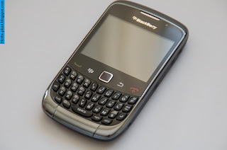 Blackberry Curve 9300 - صور موبايل بلاك بيرى كيرف 9300