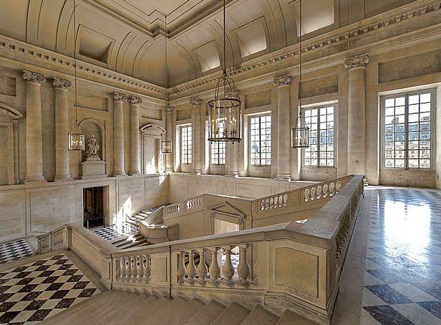 Rococo revisited for Petit escalier exterieur
