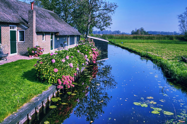"Giethoorn - ""Venice of the Netherlands"""