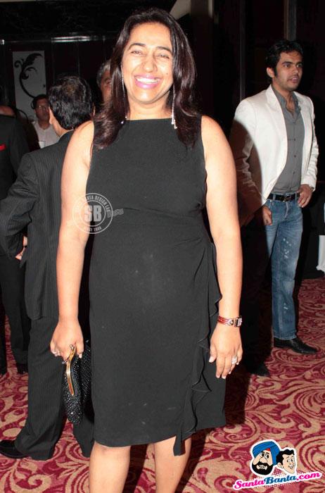 , Models & Bollywood Hotties At Dhoots` Gala Dinner