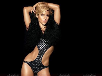 Singer Shakira wallpaper