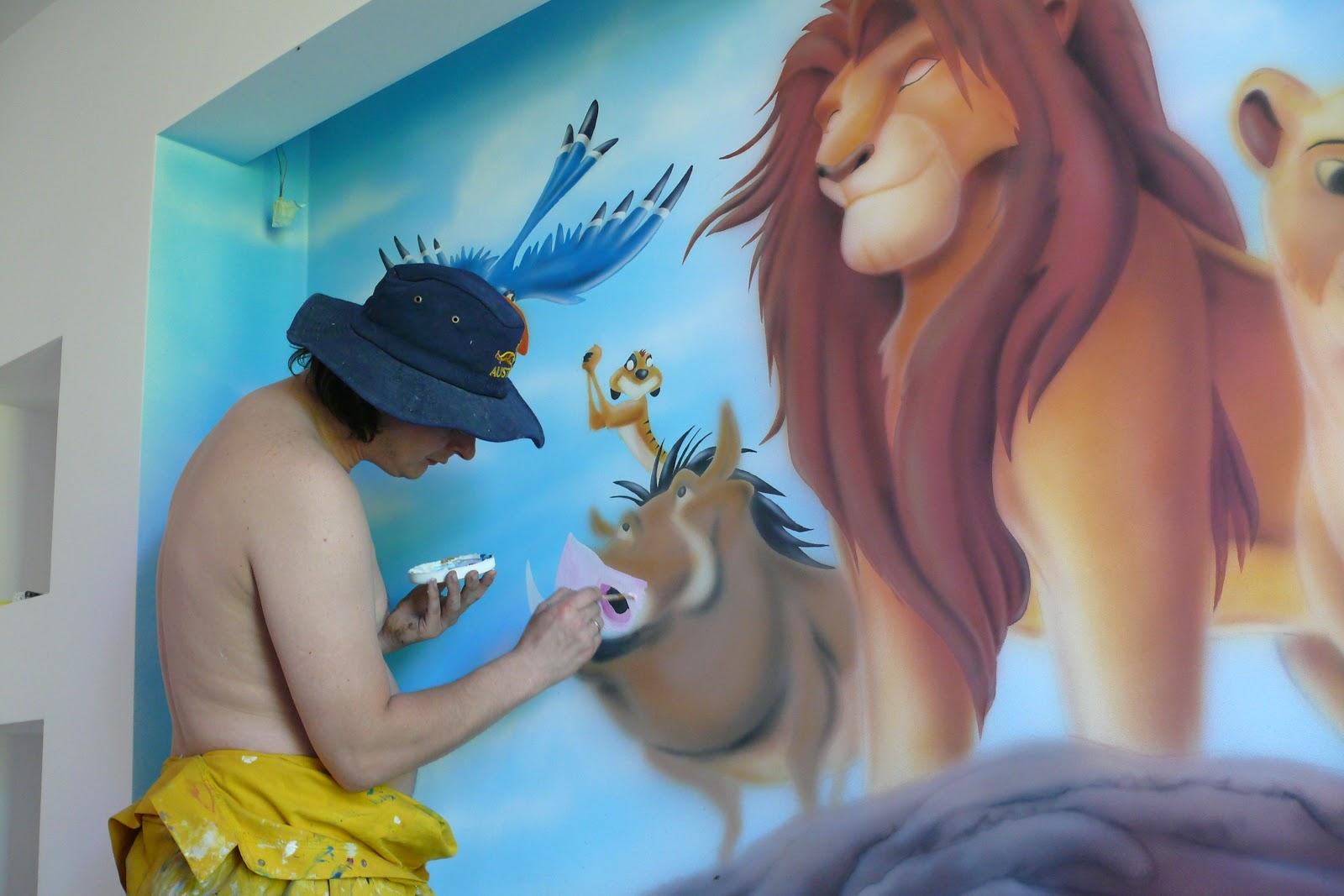 Simba, malowanie na ścianie motywu z bajki Król Lew, mural 3D, realistyczny obraz na ścianie