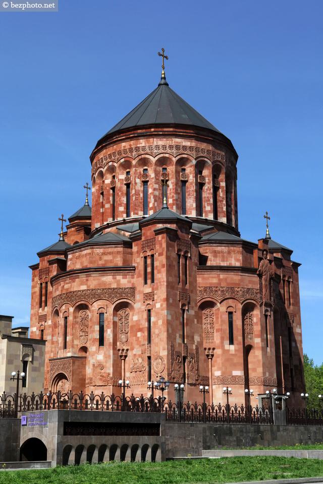 армянская церковь в москве на олимпийском