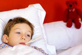 Bagaimana Cara Merawat Anak Demam di Rumah?