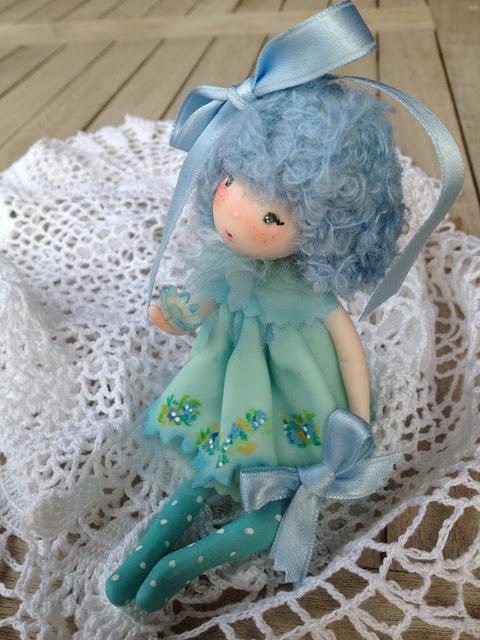 bambola in pasta di mais o porcellana a freddo
