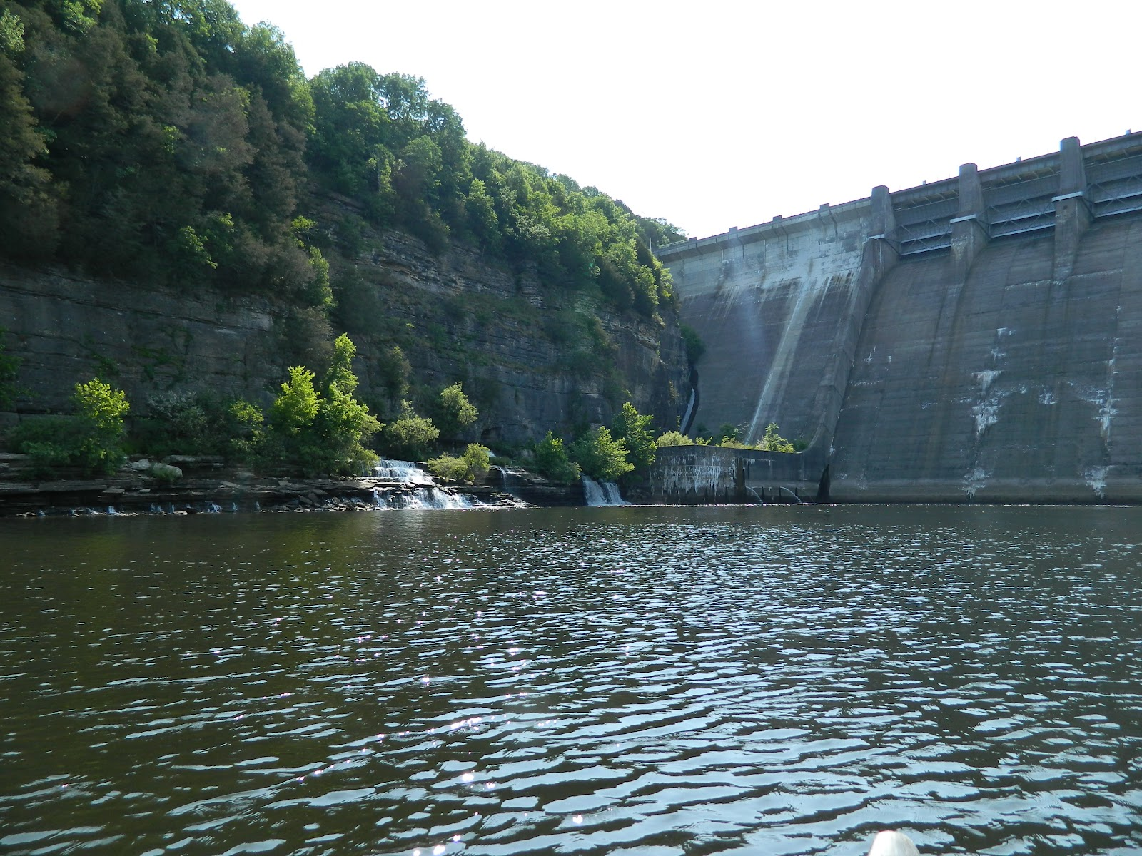 Paddle tennessee caney fork river center hill dam to for Center hill lake fishing report