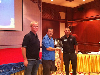 On behalf of Sea Fun, Nick receive the PADI Award for Outstanding Contribution to the Diving Industry.