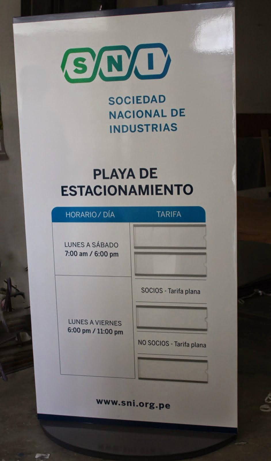 sni - Totem Publicitario