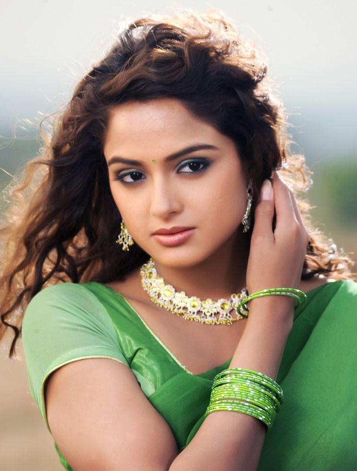 ACTRESS HOT IMAGES: Asmita sood hot navel spicy gallery