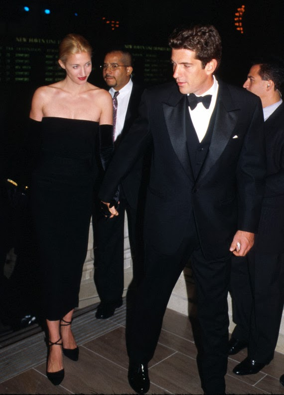 Carolyn Bessette Kennedy Wedding Dress 34 Lovely STYLE TIP YOU ALWAYS