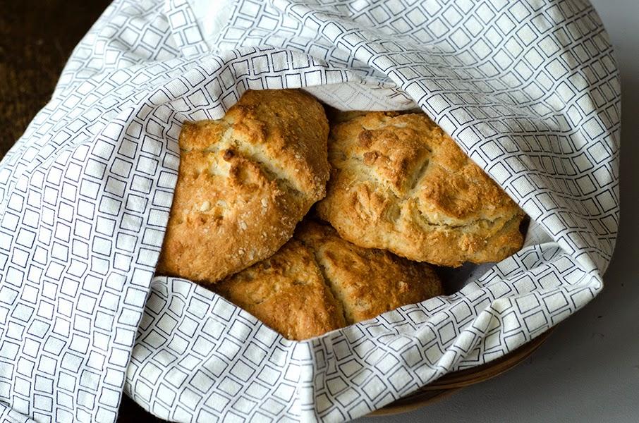 nygräddade scones bröd