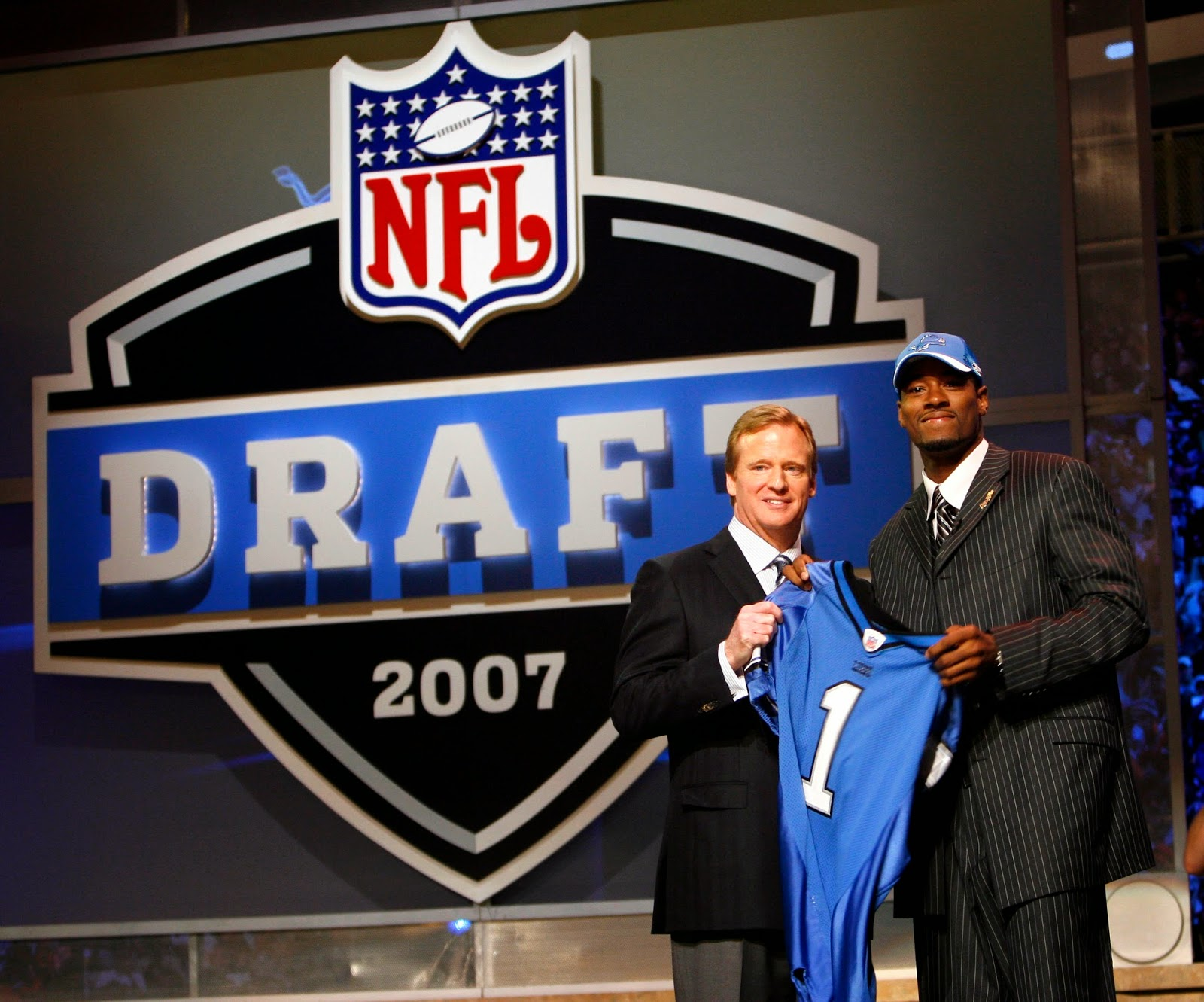 Join live chat on Detroit Lions a few hours before NFL draft