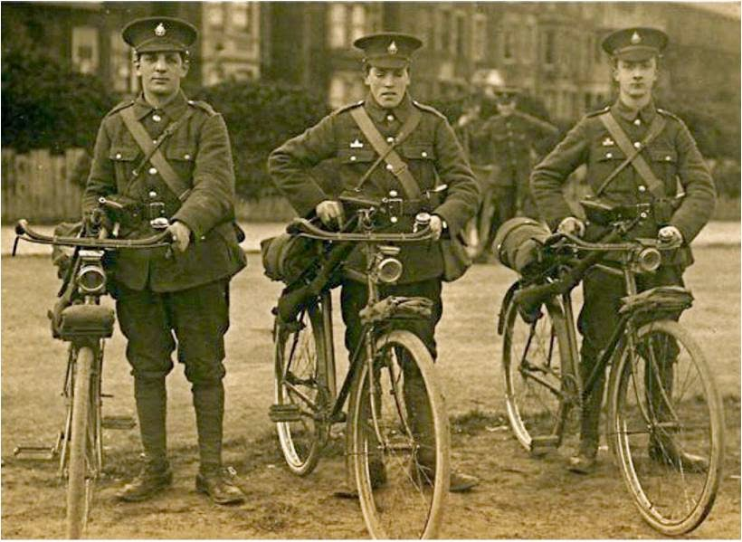 WW1 soldiers on bicycles