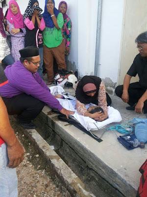 Raja Nur Nazwa Ariana |  Maut Terjatuh Dalam Lubang Kumbahan