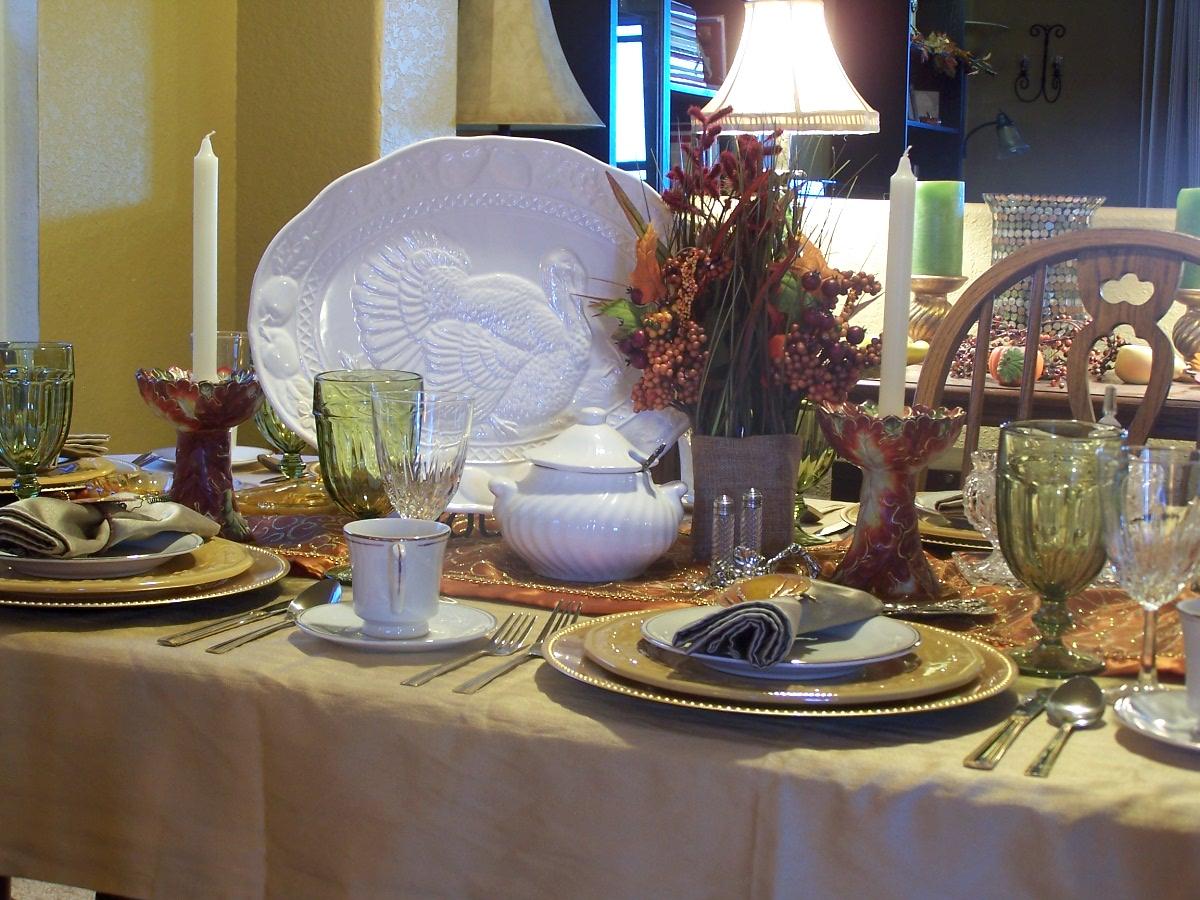 Raisinghome thanksgiving table