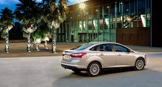 2012-Ford-Focus-04
